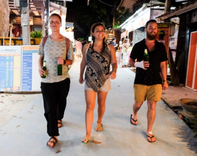 strolling-down-walking-street-koh-lipe