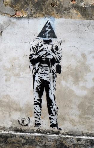 electric-man-street-art