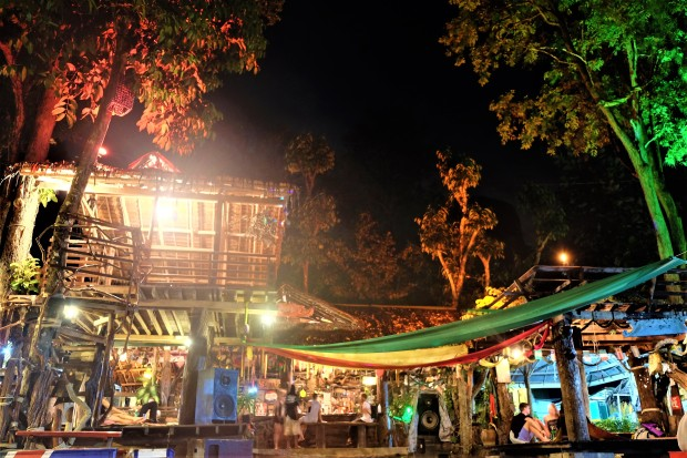 chill-out-bar-tonsai-thailand