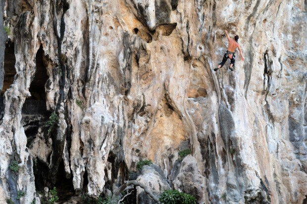 rock-climber-in-tonsai-thailand