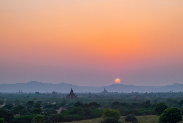 sunset-from-pyathetgyi-pagida-bagan-myanmar